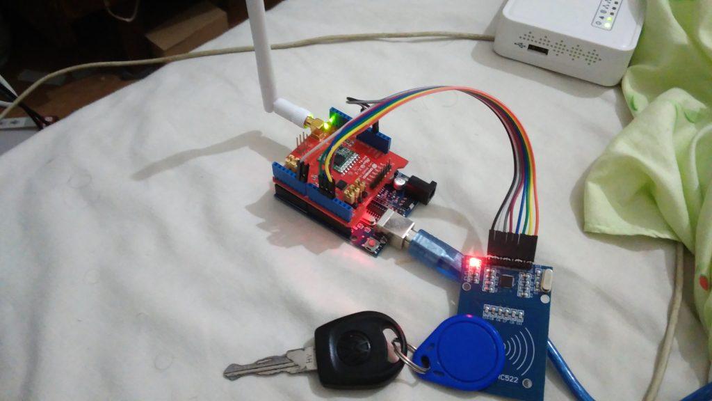 RFID and LoRa on Arduino |